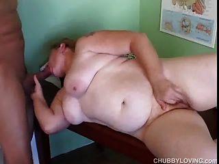 mollig Amateur Rothaarige bekommt ihr Fett Pussy geleckt und gefickt