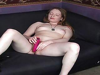 echte Rothaarige behaarten rosa Titten rot Muschi blasse Haut 2