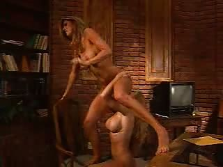 Blonde on Blonde Büro lesbischen Spaß!