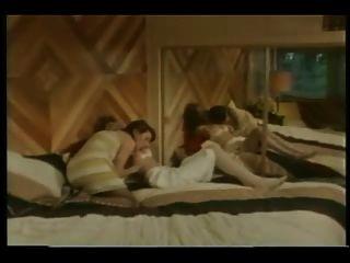 vollbusigen Damen im 80er Band 4-1984