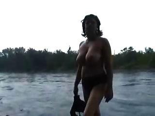 meine schöne reife Frau völlig nackt für Sie
