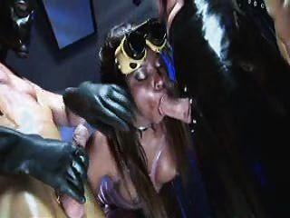 Jasmin webb Ebenholz Fetisch Hure auf zwei maskierte Hähne