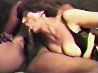 weiß reifen Frau von zwei schwarzen Schwänzen pt1 gefickt