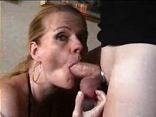 schwedische Dame perversan saugt