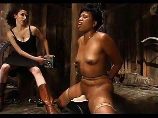 schwarze Mädchen zu cum gebunden - unerbittliche Boner