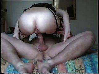 Mann gibt Frau eine anale Sahnetorte!
