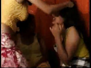 desi, indisch, twosome zu lesbischen Dreier