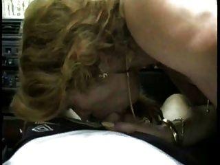 Hure traudl caff in der Männer-Falle