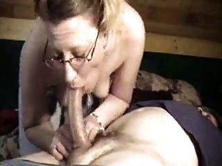Hahn liebende Frau gibt fantastische tiefe Kehle blow job!
