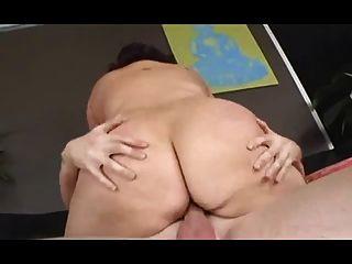 Fett Hündin mit Floppy Titten wird hart gefickt