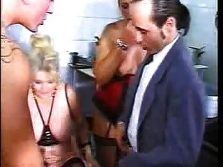 Orgie im Restaurant 3 von fdcrn