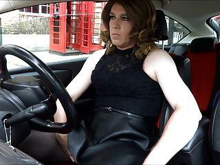 sexy Transvestit Seite Masturbieren aus der Post