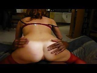 Frau Stöhnen zu einem heißen Orgasmus vor Hubby
