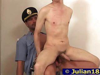 julian und Polizist