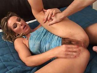 ficken haarige Muschi und anal mit Creampie