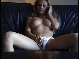 sexy reife Hündin aus phonesex geil bekommen