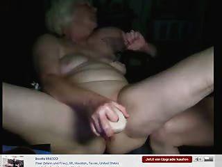 Amateur. Oma hatte Spaß auf Web-Cam