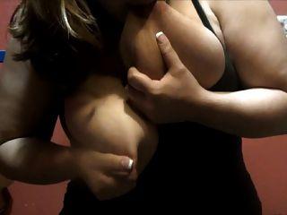 riesigen Brustwarzen Spray Milch p2
