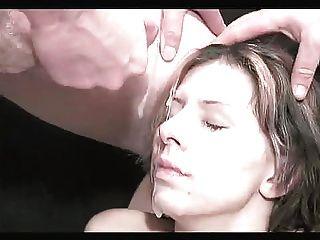 bukkake Mädchen mit gefälschten Titten 2
