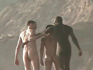 nackt Jungs am Strand