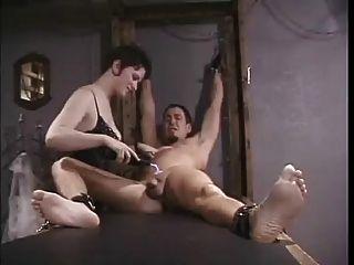 Elektro Folter für Slave