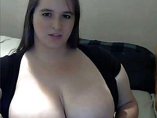 Fett mit großen Brust auf Webcam masturbieren