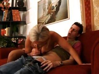 heiße italienische Mutter