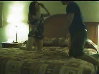 böse Hündin gefangen auf Kamera auf Ehemann betrügt