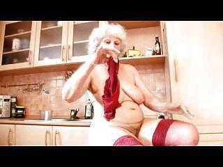 Oma norma ohne Schwanz diesmal