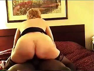 cuck Frau und ihre schwarzen Stier