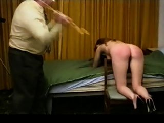 roten Kleid caning