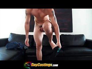 gaycastings Vorsprechen gegangen falsch Junge stöhnt, als er versucht .... zu
