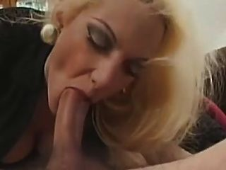 blonde italienische gang bang