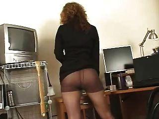 geile Sekretärin schwarze Strumpfhose High Heels Solo