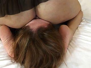 lezz unter Arsch und pussy1 facecrushing