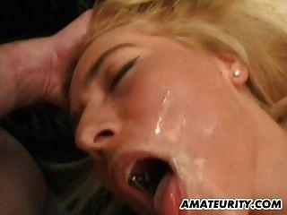 blonde Amateur Freundin nach Hause gangbang mit Gesichts