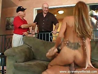 Ehemann genossen vollbusige Frau beobachtete hart gefickt