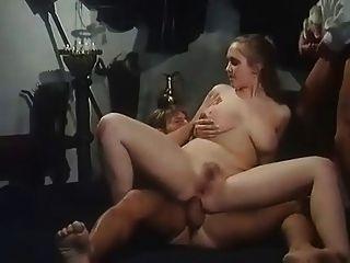 heißes Mädchen mit großen Titten bekommen dp