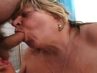 bbw Oma saugen alte Penis