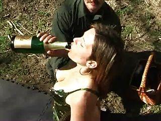 Prügel und champegne Einlauf