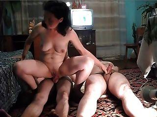 bg Frau fickt ihr Mann und ihre Nachbarn