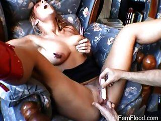 fleischigen Pussy bekommt die Hände auf Orgasmus Behandlung