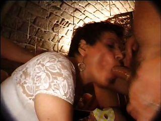 französisch reifen n27 Brünette anal mom gangbang in Club