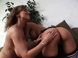 Ältere Lesben und jüngere Pussy ... usb