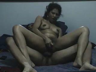 Frau praktizieren anal für dp