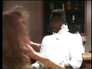 sexy Brünette Stripper will schwarzen Mann - Jahrgang interracial