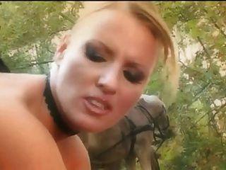 superb Dreier im Wald mit Bonus anal