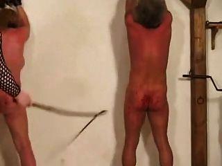 gepeitscht und gefoltert