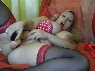 bbw Haar Blondine mit großen Titten fickt ihre Muschi