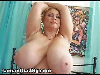 samantha 38g bbw pornstar spielt mit ihrer engen nassen Pussy